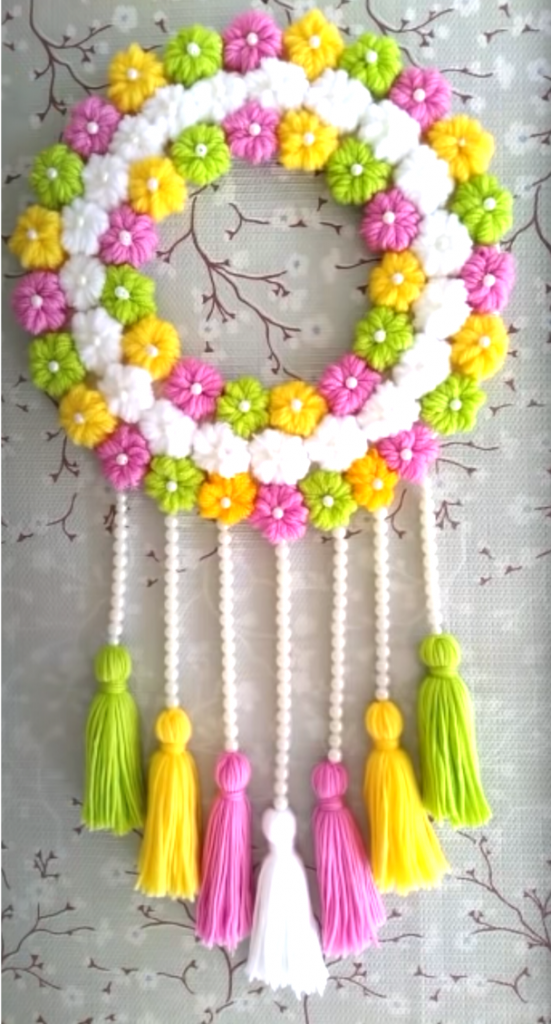 DIY Colorful Wall Decor for your wall or the door of your room