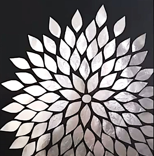 DIY Project - Silver Flowers Wall Decor. Do it yourself